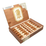 Undercrown Shade Flying Pig cigar box