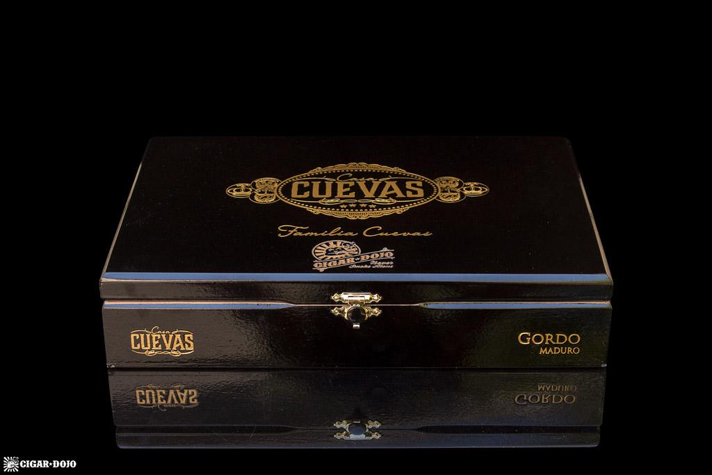 Casa Cuevas Maduro Gordo cigar box