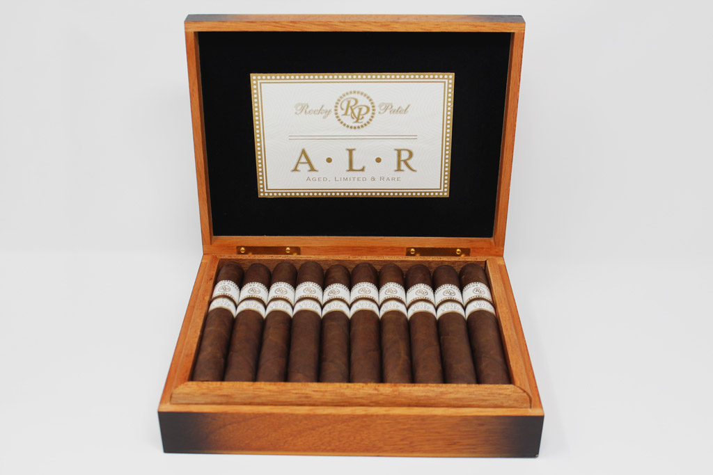 Rocky Patel ALR box open