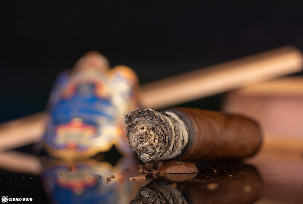 Don Pepín García 15th Anniversary Limited Edition Robusto cigar nubbed