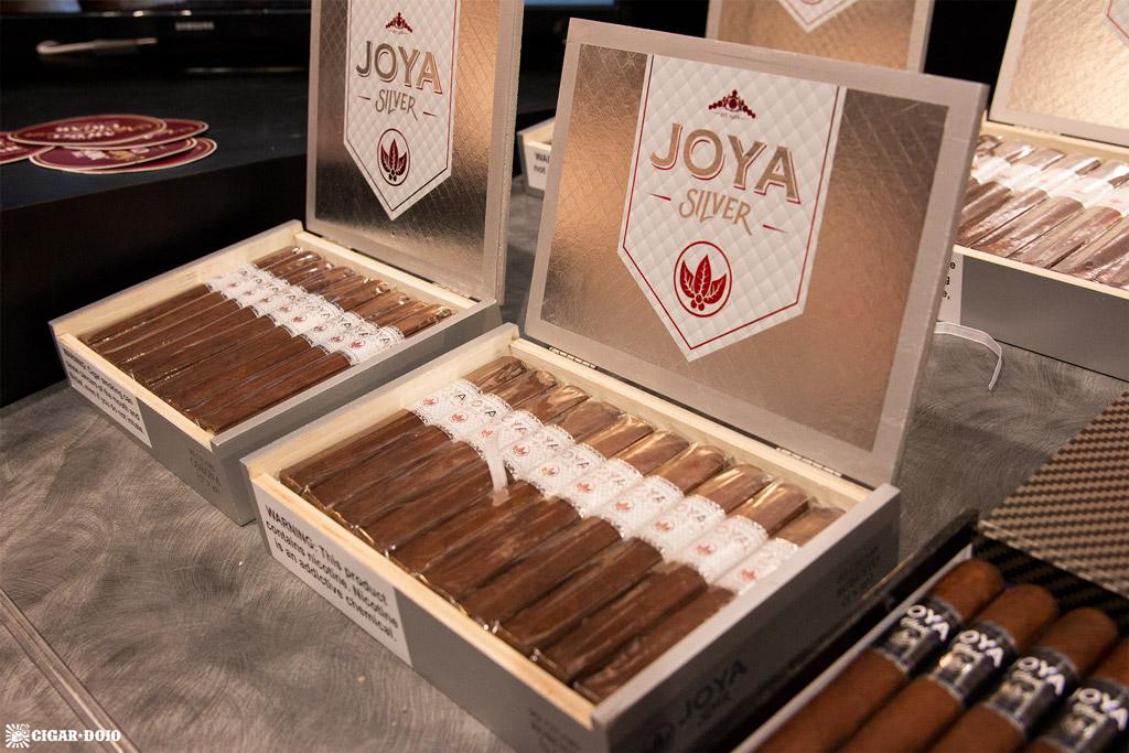 Joya de Nicaragua JOYA Silver open boxes