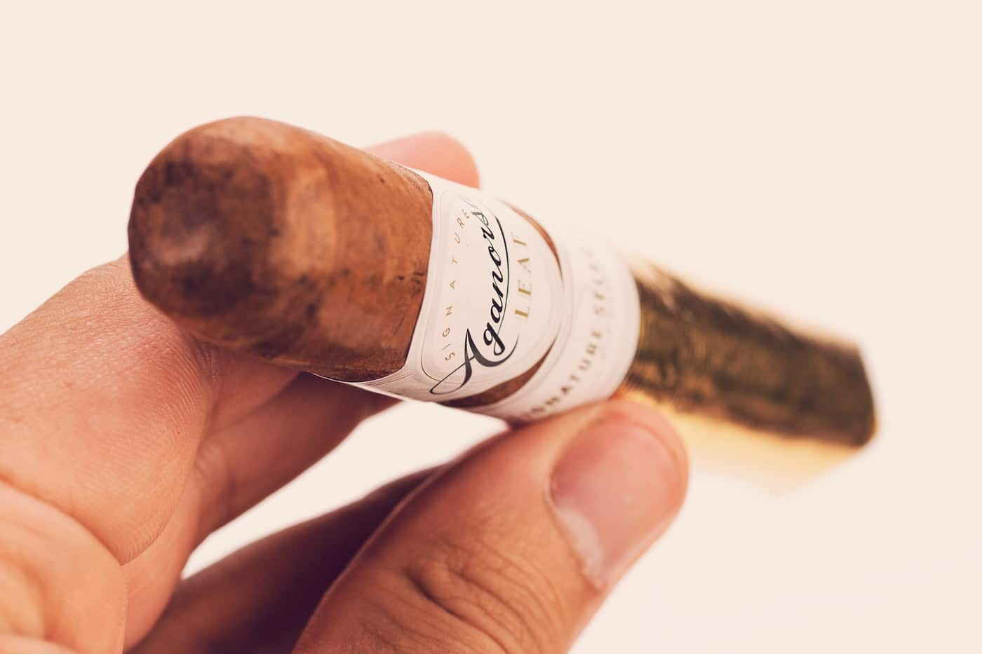 Aganorsa Leaf Signature Selection Robusto cigar review