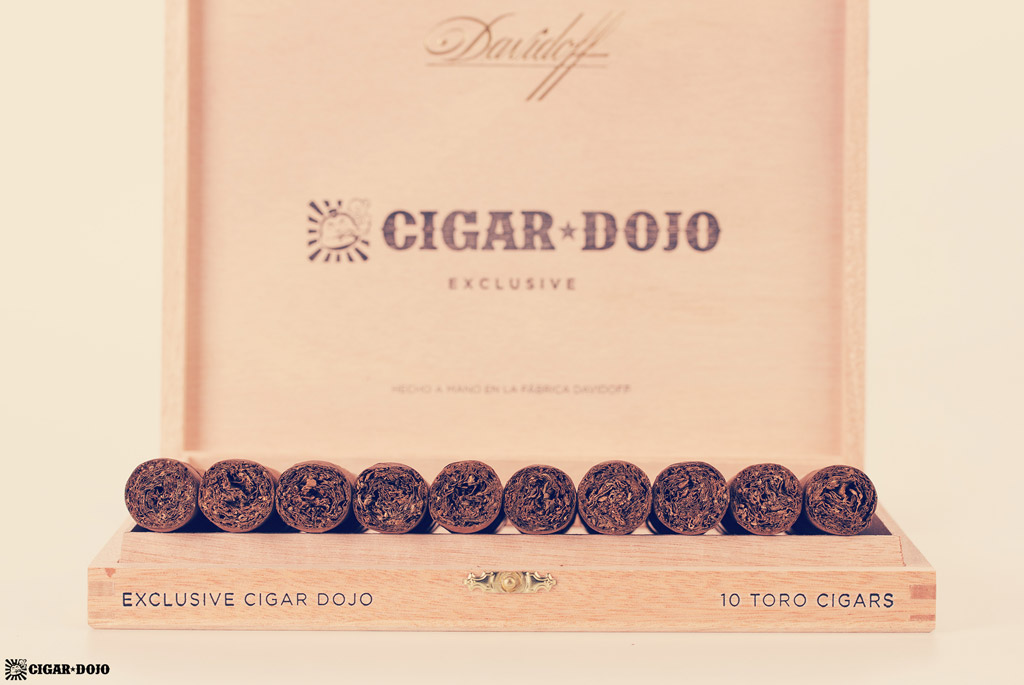 Davidoff Cigar Dojo Exclusive 2018 open box feet