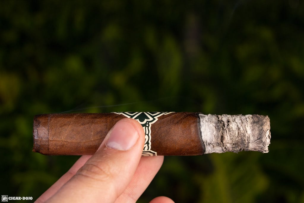Dunbarton Tobacco & Trust Sin Compromiso review