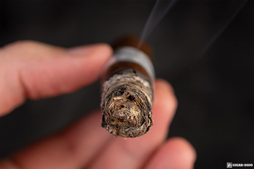 Fratello Navetta Discovery cigar ash
