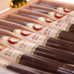 Joya de Nicaragua Cinco Décadas El General cigars open box