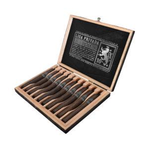 Liga Privada 10-Year Aniversario cigar box open