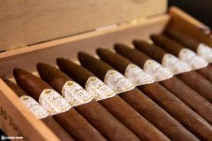 Tatuaje 15th Anniversary Rosado Oscuro Torpedo Grande cigars open box