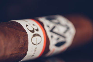AVO LE05 30th Anniversary cigar review