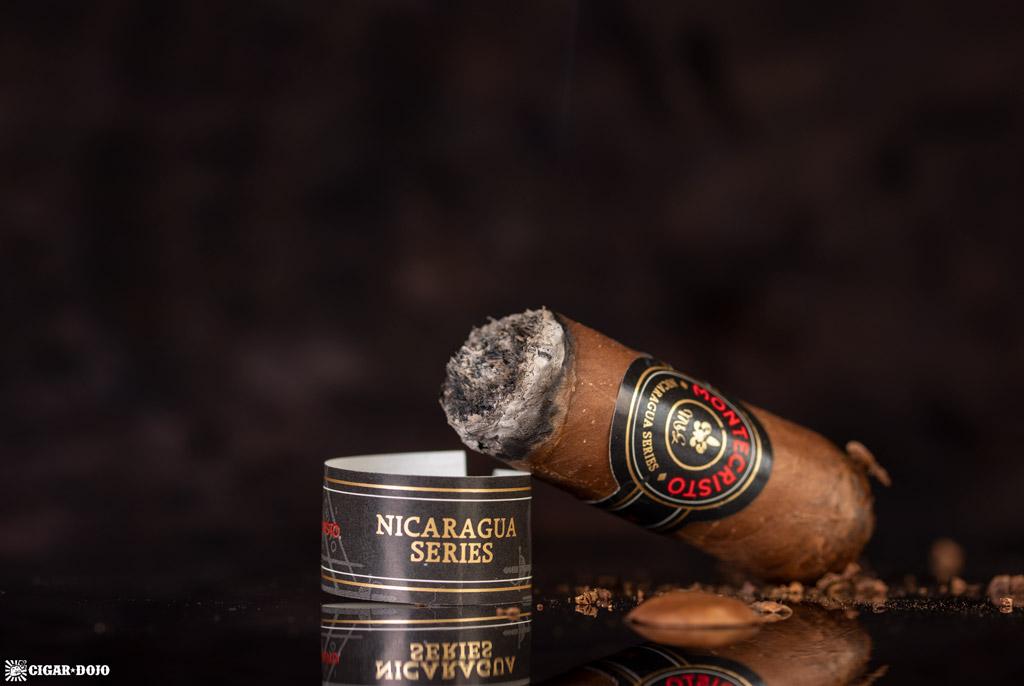 Montecristo Nicaragua Series Toro cigar nubbed