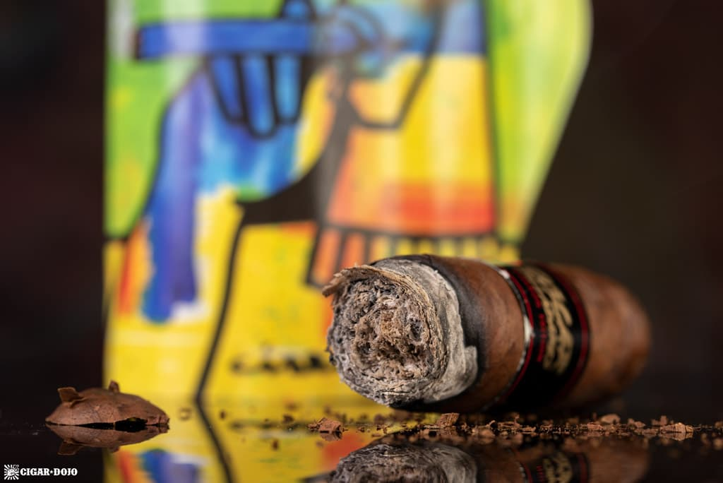 Oscar Valladares Ciseron Edition cigar nub finished