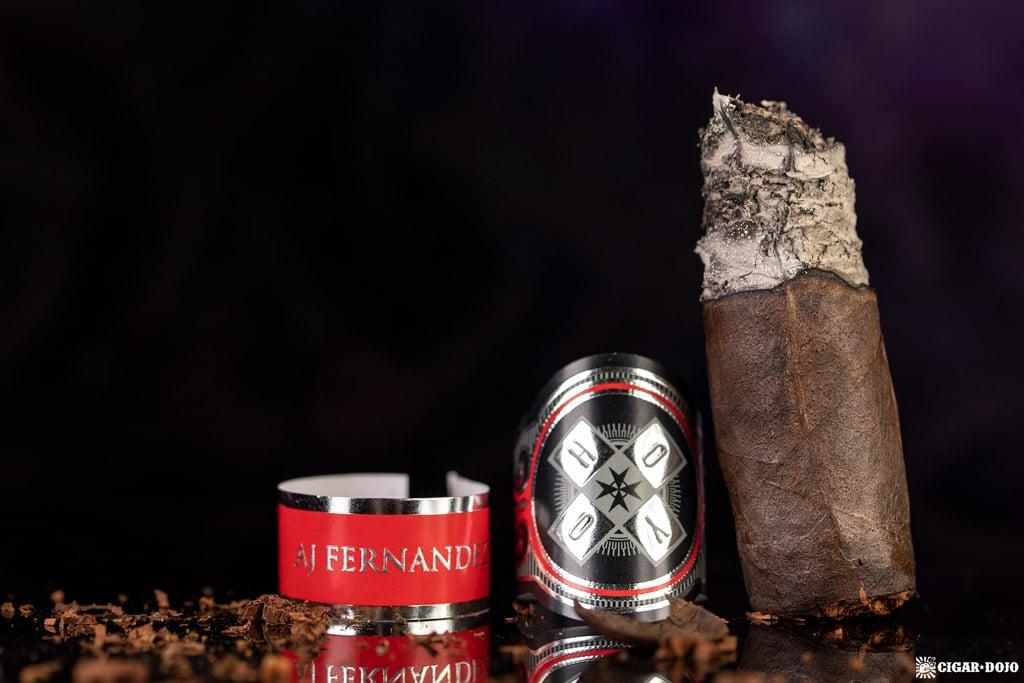 Hoyo La Amistad Black Rothschild cigar nub finished