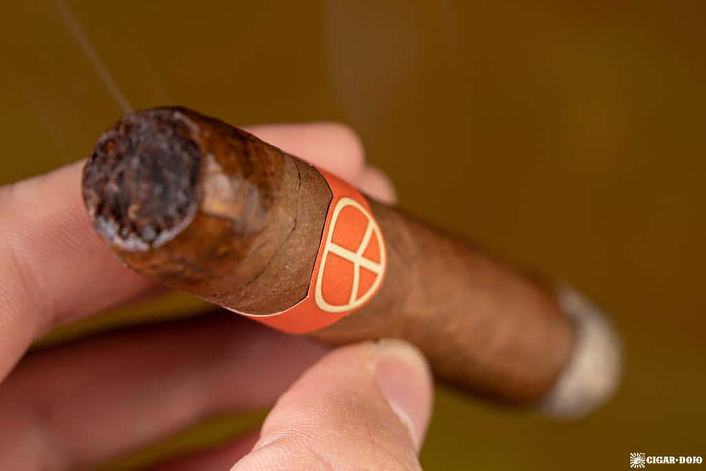 Illusione OneOff Robustos cigar smoking