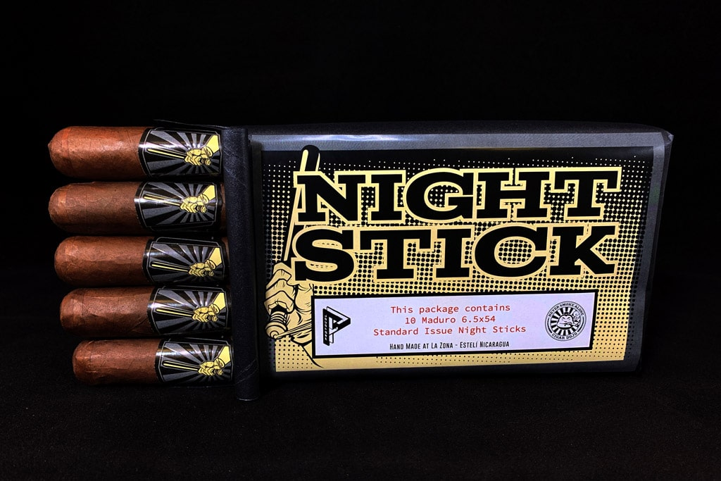 Protocol Night Stick cigar bundle open
