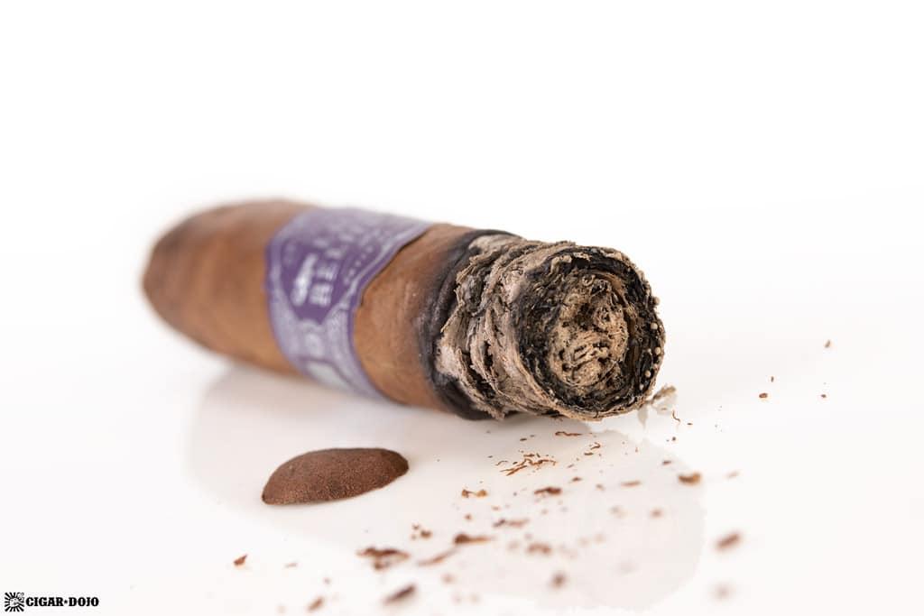 Warped La Relatos The First cigar nub finished