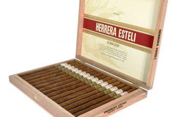 Drew Estate Herrera Esteli Habano Edicion Limitada Lancero cigar box open