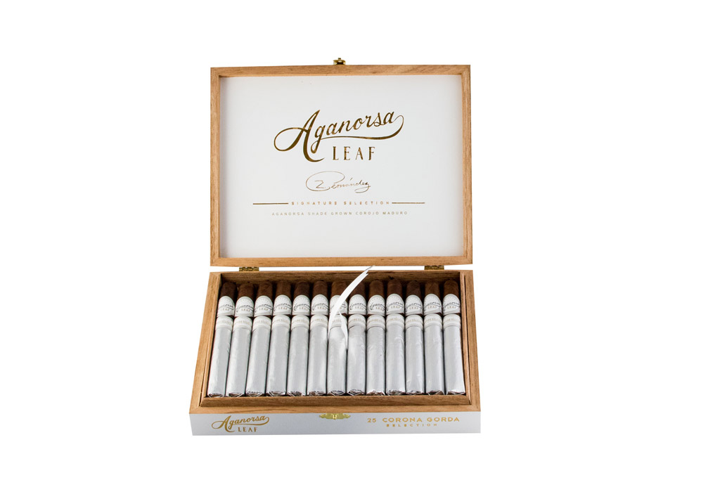 Aganorsa Leaf Signature Maduro cigar box open