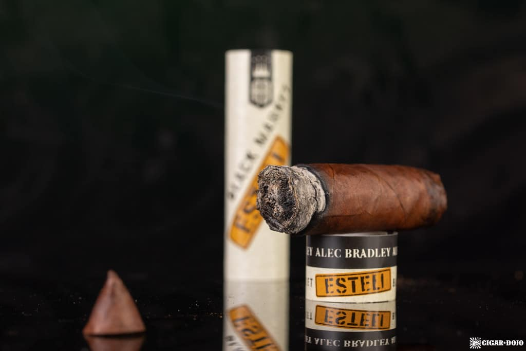 Alec Bradley Black Market Esteli Torpedo cigar nub finished