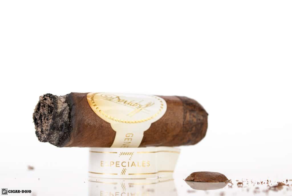 Davidoff Robusto Real Especiales 7 cigar nub finished