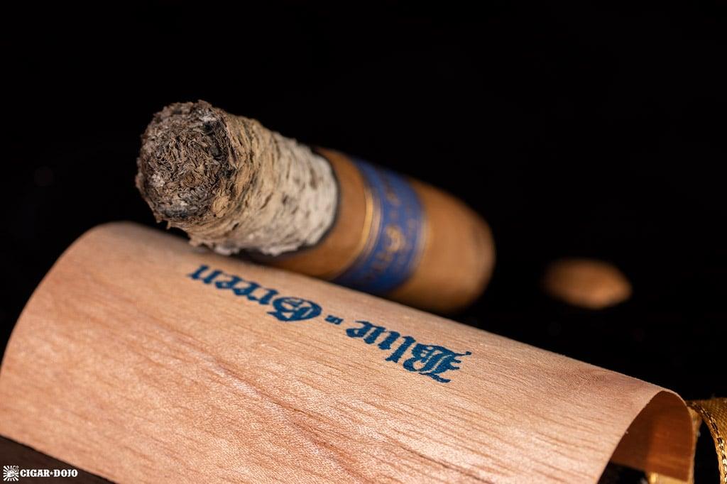 Gran Habano Blue in Green Gran Robusto cigar nub finished