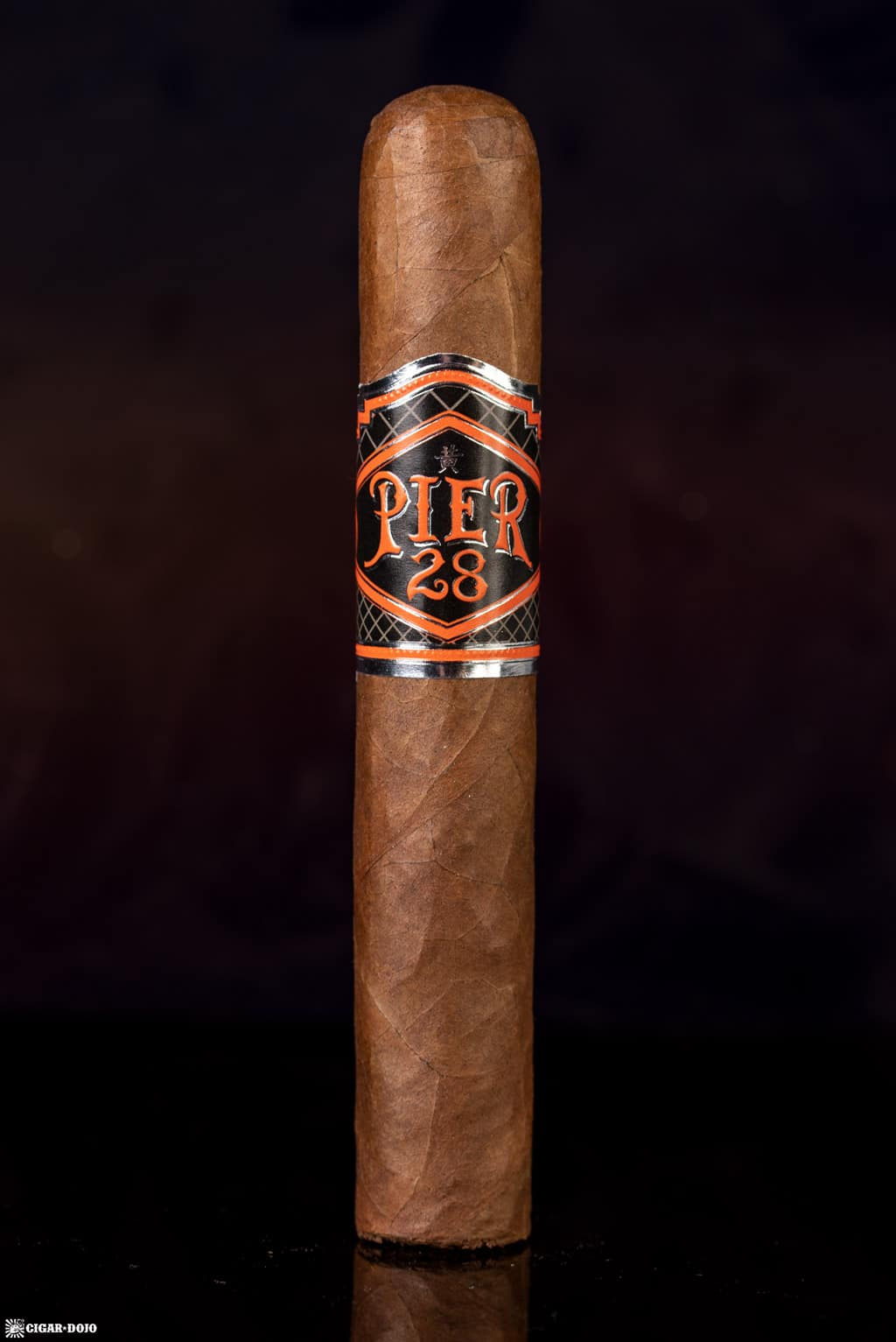 Pier 28 Oscuro Robusto cigar