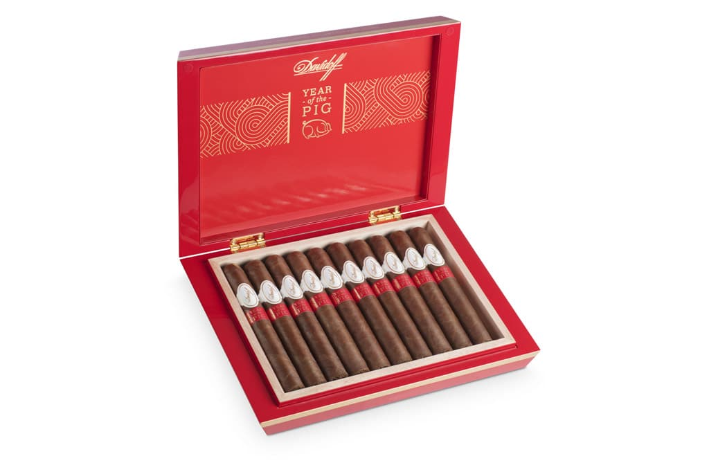 Davidoff Year of the Pig Limited Edition 2019 cigar box open