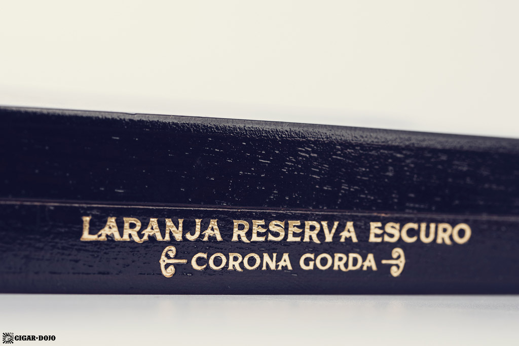Espinosa Laranja Reserva Escuro Corona Gorda cigar box side view