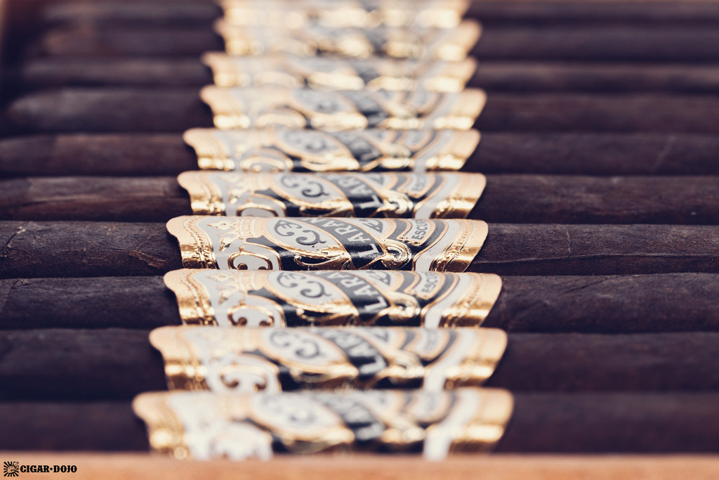 Espinosa Laranja Reserva Escuro Corona Gorda cigars side view