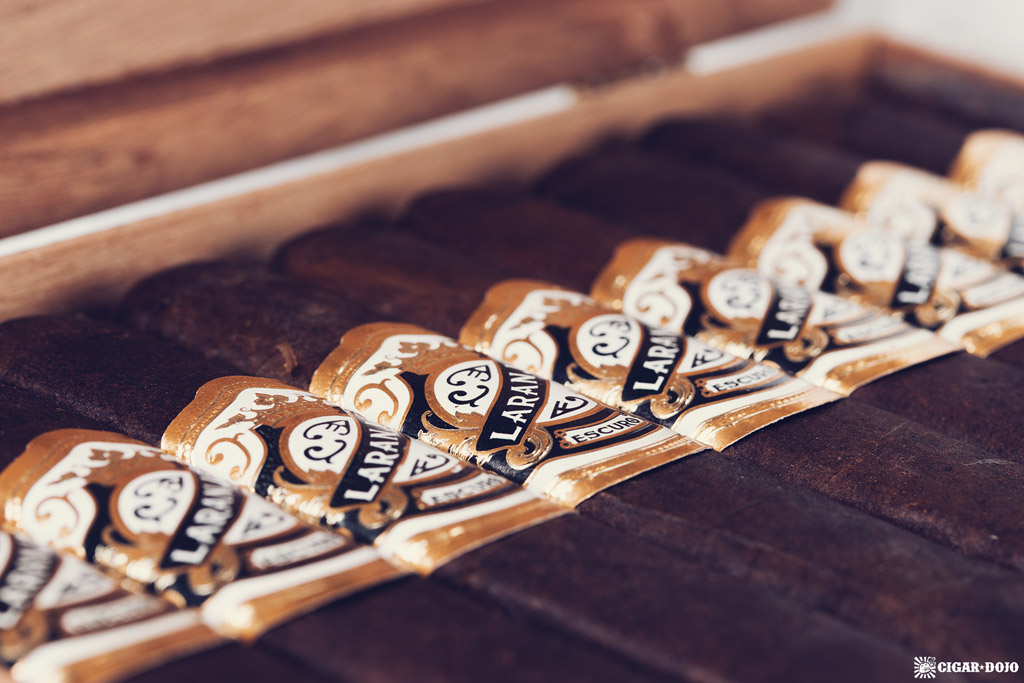 Espinosa Laranja Reserva Escuro Corona Gorda cigars in box
