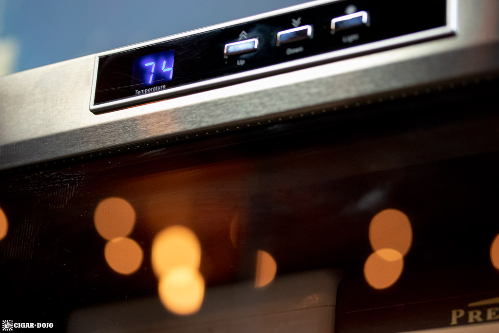 NewAir CC-300H humidor temperature gauge