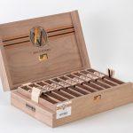 AVO Improvisation Series LE19 cigar box open