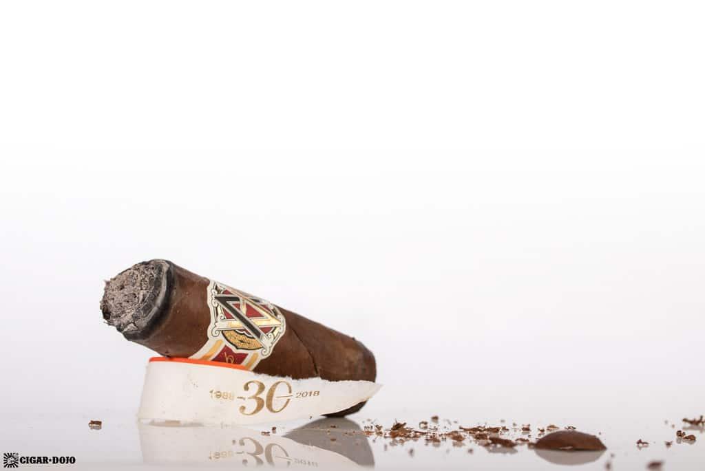 AVO LE 30 Years Signature Double Corona cigar nub finished