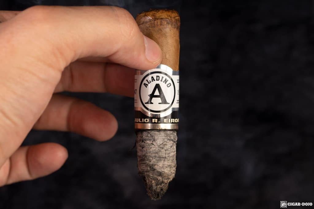 JRE Aladino Connecticut Robusto cigar ash