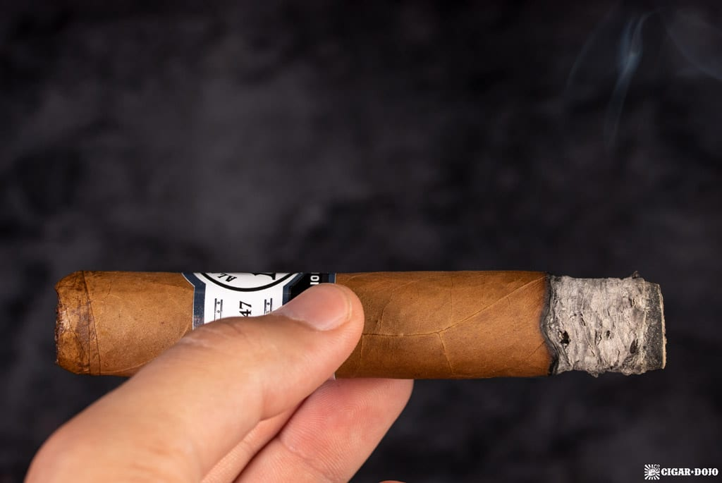 JRE Aladino Connecticut Robusto cigar smoking