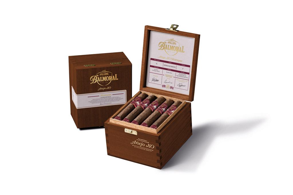 Royal Agio Balmoral Añejo XO Nicaragua cigar packaging