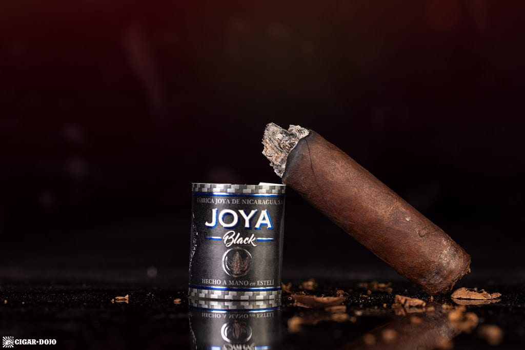 Joya Black Nocturno cigar nub finished