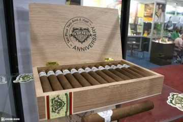 Viaje Ten Plus Two And A Half Anniversary cigar box IPCPR 2019