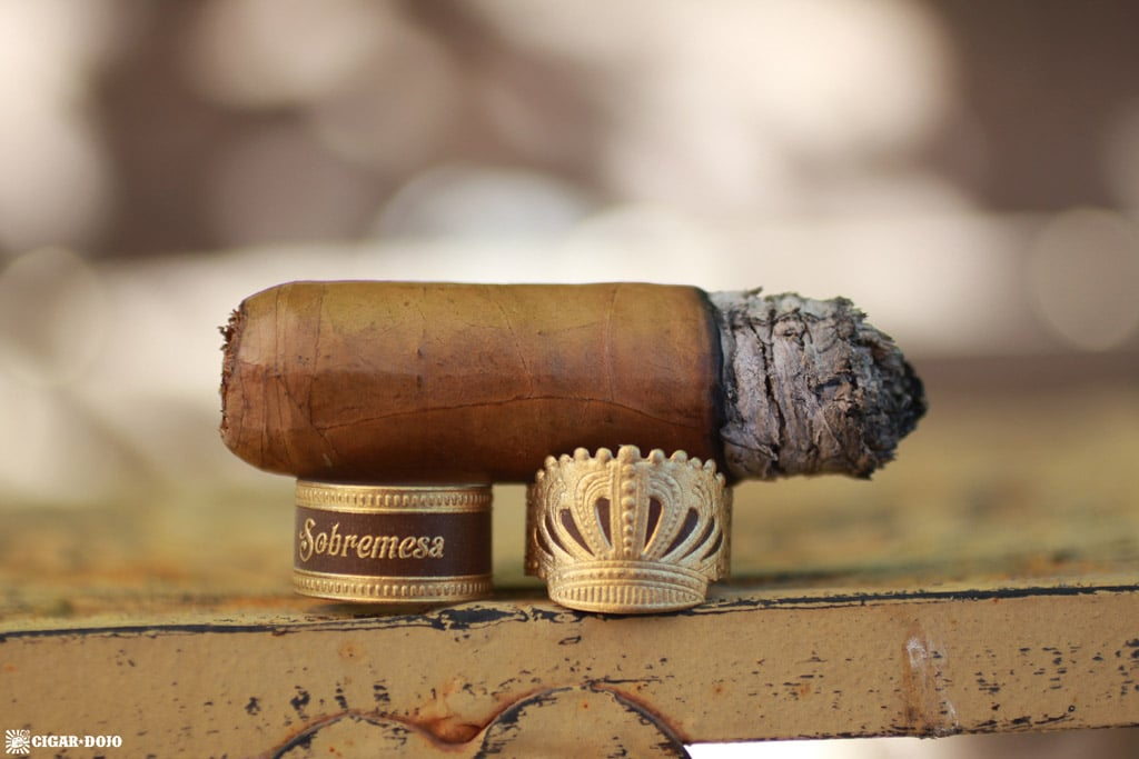 Dunbarton Sobremesa Brûlée Robusto cigar nub finished