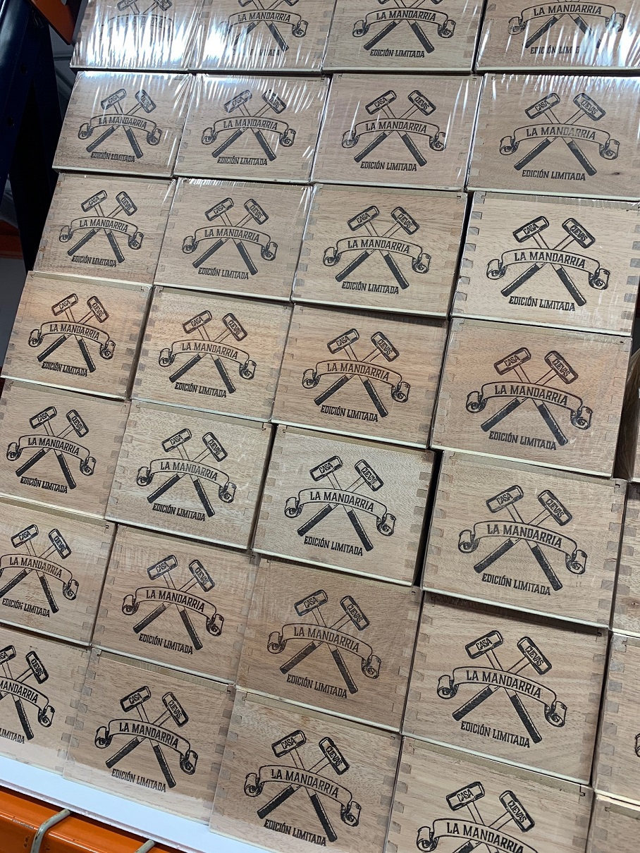 Casa Cuevas La Mandarria cigar boxes shipping