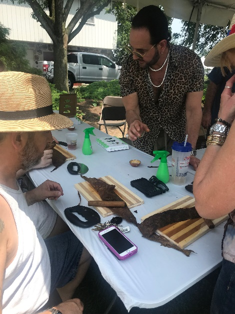 Michael Giannini cigar-rolling seminar