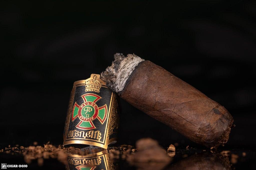 Foundation Cigar Company Menelik cigar nub finished