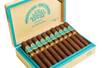 H. Upmann Nicaragua by AJ Fernandez Finca La Lilia 2009 cigar box open