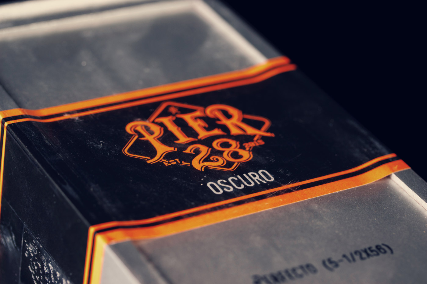 Pier 28 Oscuro cigar box lid closed