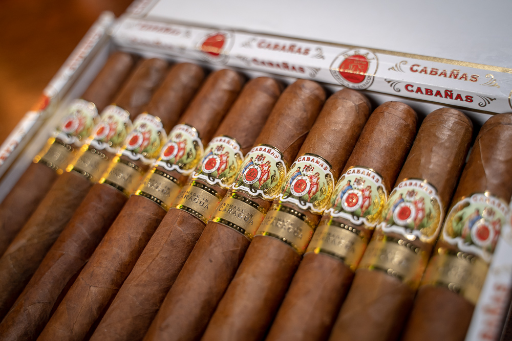 JR Cigar Cabañas cigars open box