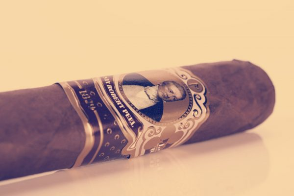 Cubariqueño Protocol Sir Robert Peel Natural cigar review
