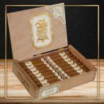 Drew Estate Undercrown Shade Corona Pequeña cigars open box