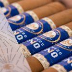 Joya de Nicaragua Número Uno L'Ambassadeur cigars open box