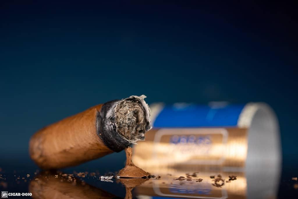 Joya de Nicaragua Número Uno L'Ambassadeur cigar nub finished