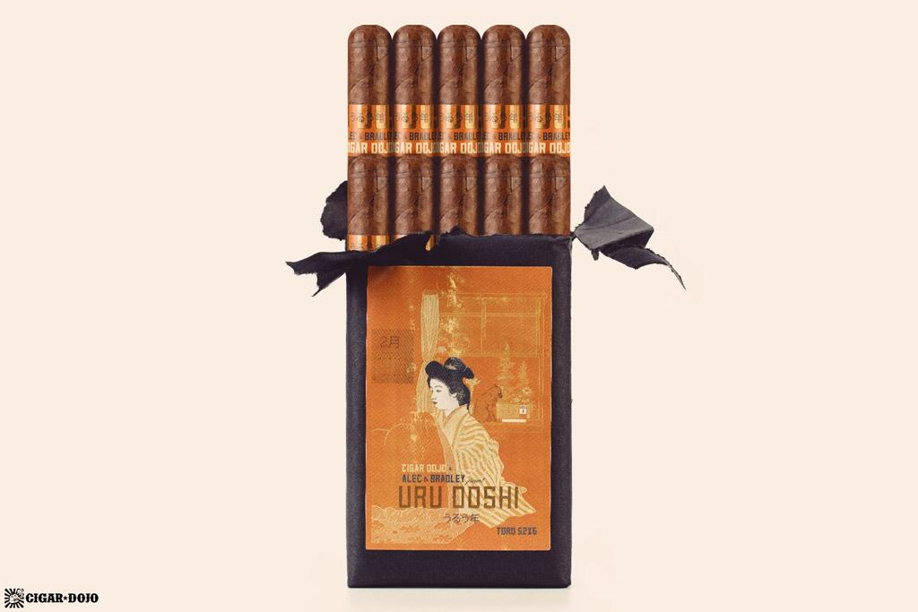 Alec & Bradley Uru Doshi cigars open bundle