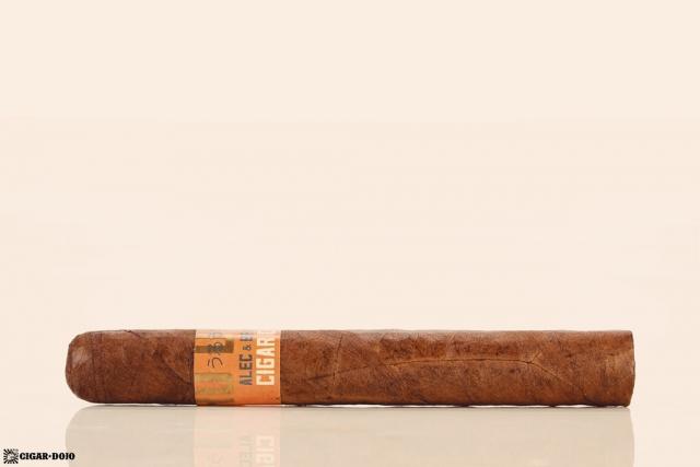 Alec & Bradley Uru Doshi cigar side view